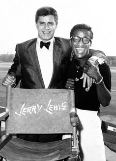 Jerry Lewis - Sammy Davis Jr - On the set of The Geisha Boy. Hollywood Actor, Golden Age Of Hollywood, Classic Hollywood, Old Hollywood, Jerry Lewis, Joey Bishop, Sammy Davis Jr, Old School Music, Funny People