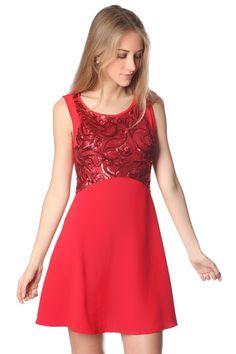 Vestido rojo con adornos de lentejuelas
