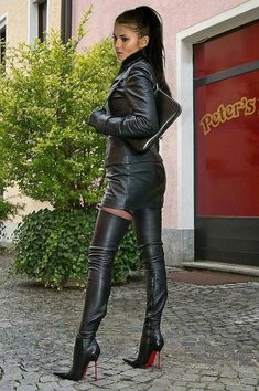 Sexy lady Nadja with lovely leather thigh high stiletto boots Thigh High Boots Heels, Stiletto Boots, High Leather Boots, Black Leather Skirts, Leather Dresses, Leather Fashion, Fashion Boots, Sexy Stiefel, Leder Outfits