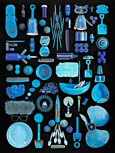 """Blue Ocean"" - 2013 by photographer Barry Rosenthal Blue plastic objects, collected from New York Harbor, Brooklyn. Part of the collection, ""Found in Nature: The language of trash. Diy With Kids, Things Organized Neatly, New York Harbor, Collections Photography, Trash Art, Foto Art, Botanical Drawings, Everyday Objects, Art Plastique"