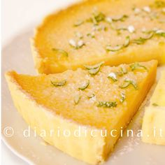 Ricetta tarte au citron meringuée. La tarte au citron è una crostata alla crema di limone con una montagna di meringa italiana sopra.