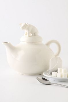 a teapot and a pig?  love it.