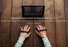 手のひらにくっつけるだけでどこでも文字入力できる劇的に軽くて省スペースなエアーキーボード「AirType」 - GIGAZINE
