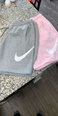 Apr 2020 - This Pin was discovered by Jane Strachan. Discover (and save! - Apr 2020 – This Pin was discovered by Jane Strachan. Discover (and save!) your own Pins on Pi - Cute Lazy Outfits, Teenage Outfits, Cute Swag Outfits, Chill Outfits, Sporty Outfits, Teen Fashion Outfits, Retro Outfits, Trendy Outfits, Nike Fashion Outfit