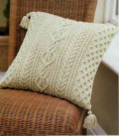 TOT TRICOT: JACQUARD Knitted Pouf, Knitted Cushions, Scatter Cushions, Knitted Blankets, Sweater Pillow, Knit Pillow, Glam Pillows, Throw Pillows, Knitting Designs