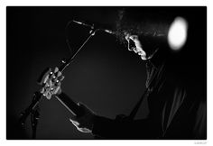 Peter Hayes from Black Rebel Motorcycle Club. Photo by Stéphane Burlot, 2010