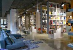 Librerie di Milano: la prima libreria salotto, dove non ci sono solo libri.