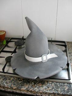 Quiero ser como McGyver  Gorro de Bruja Sombreros Disfraz da20abfbe05