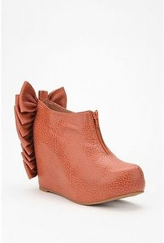 Jeffrey Campbell Back Bow Wedge (urban outfitters) Shoes Too Big, Crazy Shoes, New Shoes, Women's Shoes, Shoes Heels Wedges, Lace Up Heels, Wedge Shoes, Sandals, Sneaker Boots
