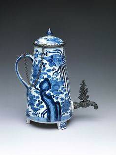 Coffee Pot, 1650–1675. Japan.  The Metropolitan Museum of Art, New York. Purchase by subscription, 1879 (79.2.176a, b)