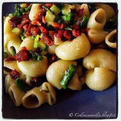 """Colla&Cannella: """"Pasta con asparagi selvatici e crumble di guancia..."""