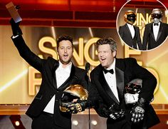 Luke Bryan and Blake Shelton pretend to be Daft Punk at the 2014 ACMs