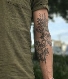 I love this placement and size, but right arm instead. - I love this placement and size, but right arm instead. I also like how this has a lot of variety wi - Armbeugen Tattoos, Botanisches Tattoo, Forearm Tattoos, Body Art Tattoos, Sleeve Tattoos, Inner Elbow Tattoos, Lion Tattoo, Tatoos, Floral Arm Tattoo