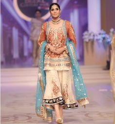 Pakistani Formal Dresses, Pakistani Party Wear, Pakistani Couture, Pakistani Dress Design, Pakistani Outfits, Indian Dresses, Indian Outfits, Pakistani Sharara, Sikh Wedding Dress