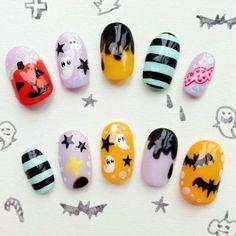 Nail polish ideas for Halloween – 40 inspirational nail art images Kawaii Nail Art, Cute Nail Art, Cute Nails, Cute Halloween Nails, Halloween Nail Designs, Kawaii Halloween, Nail Art Photos, Nail Art Images, Grey Nail Designs