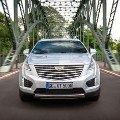 """Cadillac XT5 2017 Crossover Touring 5 (XT5) busca um lugar ao Sol na Europa. O @Cadillac  tem motor 3.6 V6 com 314 cavalos e 368 Nm de torque. A transmissão automática de oito marchas. O conjunto acelera de 0 a 100 km/h em 75s. Oferece  central multimídia com tela de 8"""" carregador de celular e WiFi veicular integrado com o sistema OnStar 4G. O Crossover midsize tem tração integral com modos de condução. São três versões de acabamento com preços entre  48.800 (Luxury)  56.800 (Premium) e…"""
