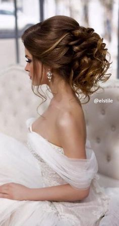 Elstile wedding hairstyles for long hair 3 - Deer Pearl Flowers / http://www.deerpearlflowers.com/wedding-hairstyle-inspiration/elstile-wedding-hairstyles-for-long-hair-3/