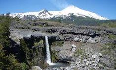 Parque nacional natural los nevados - BúsquedadeGoogle Cool Landscapes, Beautiful Places To Visit, Volcano, Mount Rainier, Wander, Cool Photos, Waterfall, The Incredibles, Mountains
