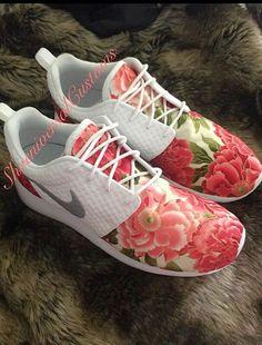 15% de descuento venta florales Nike Roshe por ShoeniversalCustoms
