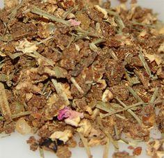 Die Räuchermischung Kyphi besteht aus vielen wertvollen Gewürzen, indischem Weihrauch, Honig und Wein. Es ist ein altes Rezept, das schon die alten Ägypter als Abendräucherung schätzten.  Der Duft wirkt entspannend und beruhigend und eignet sich besonders zur Meditation oder um gute Wünsche in den Raum zu schicken.  Duftprofil: balsamisch, süß #räuchern #räucherwerk