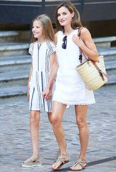 Doña Letizia and la infanta Sofia in Mallorca on the family's annual vacation/ August 6 2017