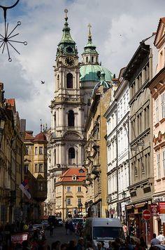Streets of Prague …reépinglé par Maurie Daboux.•*´♥*•❥ڿڰۣ—