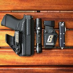 Repping the holsters Edc Wallet, Edc Bag, Edc Tactical, Everyday Carry Gear, Concealed Carry Holsters, Kydex Holster, Cool Gear, Just In Case, Carry On