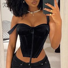 Club Outfits For Women, Trendy Outfits, Birthday Outfit For Women, Corset Outfit, Looks Black, All Black Outfit, Mode Inspiration, Black Crop Tops, Look Cool