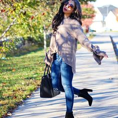 Oversized Sweater & Ripped Skinnies = my fall uniform!- fall / winter - street style - street chic style - casual outfits - zara tie sleeve sweater + steve madden booties