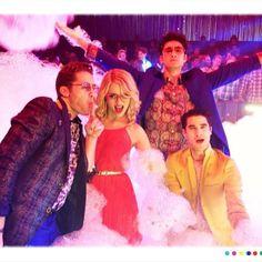 Glee- Matthew Morrison, Dianna Agron, Harry Shum Jr, Darren criss goofing around