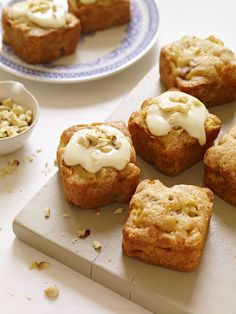 Apple Hazelnut Blondies #halloween #fall #dessert