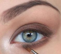 Read more about makeup trends Gorgeous Eyes, Gorgeous Makeup, Makeup Trends, Makeup Ideas, Beauty Make-up, Beauty Hacks, Foundation Makeup, Make Up Tutorials, Make Up Inspiration