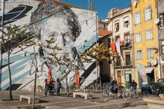Do you want to experience Porto the way the locals do? In addition to eating the traditional food, here are a few more tips to blend in. Marble City, Simple Cafe, Portugal, Douro Valley, Main Attraction, Tourist Spots, Like A Local, International Artist, The Locals