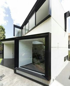 Unfurled House / Christopher Polly Architect - Exterior oblique view