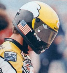 Kenny Roberts 500cc Motorcycles, Cool Motorcycles, Vintage Motorcycles, Vintage Bikes, Motorcycle Icon, Motorcycle Helmets, Motorcycle Racers, Riding Helmets, Classic Motorcycle