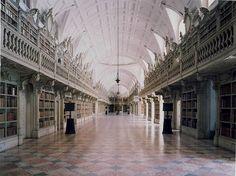 Biblioteca Do Palacio E Convento De Mafra I Portugal