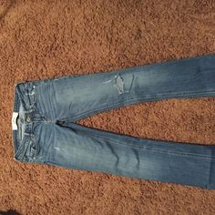 Size 1r Hollister jeans Size 1R, distressed, Hollister jeans, good condition Hollister Jeans
