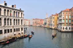 Visiting Venice on a Budget | Even on a sunny day, Venice's Grand Canal in February is relatively tranquil!