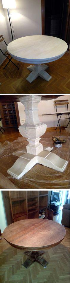 Mesa pintada a la tiza en blanco nieve y avejentada con cera oscura.