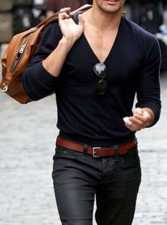 head to gym after work // gym bag // fitness // mens health // mens fashion // sunglasses //