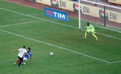 Graziano Pellè of Italy scores his team's equalizing goal during the international friendly match between Italy and France at Stadio San Nicola on September 1, 2016 in Bari, Italy.