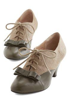 Heels - A Sheen Sweep Heel in Olive