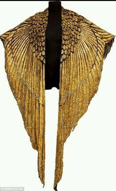 Liz Taylor's Cleopatra cape