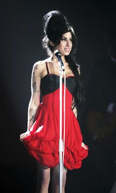 Google Image Result for http://thenynthlife.com/wp-content/uploads/2012/07/amy-winehouse-best-pic.jpg