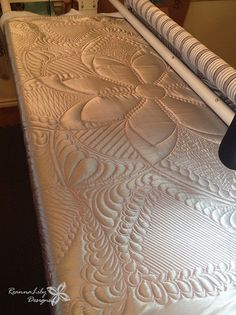 Platinum Garden: Satin Wholecloth Quilt by Jen Eskridge Long Arm Quilting Machine, Machine Quilting Designs, Quilting Projects, Quilting Ideas, Longarm Quilting, Free Motion Quilting, Hand Quilting, Modern Quilting, Whole Cloth Quilts
