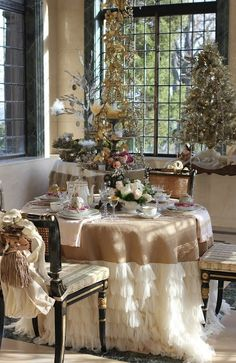 Look at those beautiful tulle ruffles against the burlap......In the conservatory via Romancing the Home