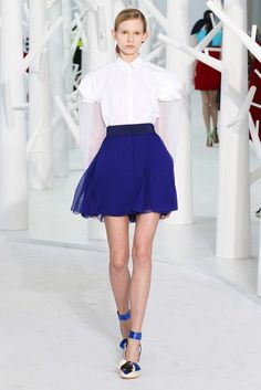 Delpozo Fall 2015 Ready-to-Wear Fashion Show - Ola Munik