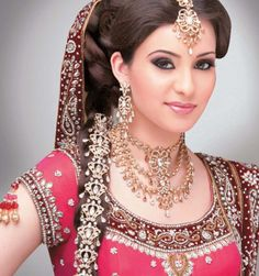 Indian Weddings... love the braid...i want something like that for my garba