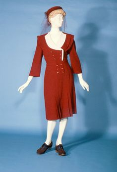 Afternoon dress, 1945, Manchester City Gallery
