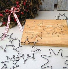 Original DIY Christmas decorations and decoration made of thin .- Original DIY Weihnachtsschmuck und Dekoration aus dünnem Draht – Beste Dekoideen Original DIY Christmas decorations and decoration made of thin wire – best decoration ideas - Wire Crafts, Holiday Crafts, Diy And Crafts, Summer Crafts, Fall Crafts, Easter Crafts, Recycled Crafts, Creative Crafts, Recycled Christmas Decorations